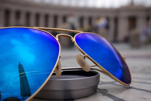 sunglasses blue reflection  Free Photo