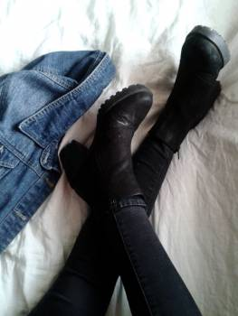 boots heels shoes  Free Photo