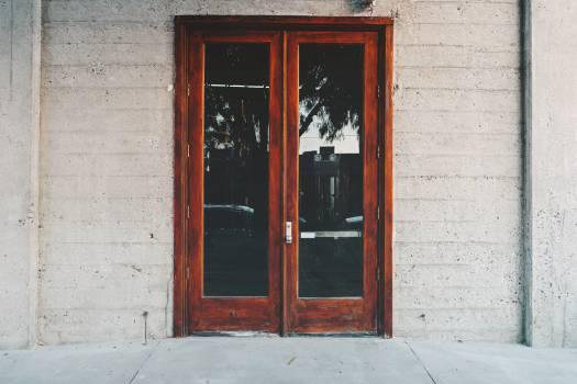 door entrance  Free Photo