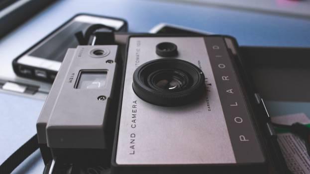 Polaroid camera lens  Free Photo