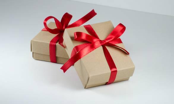 Ribbon Gift Bow Free Photo