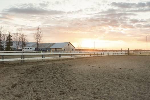 farm barn countryside  Free Photo