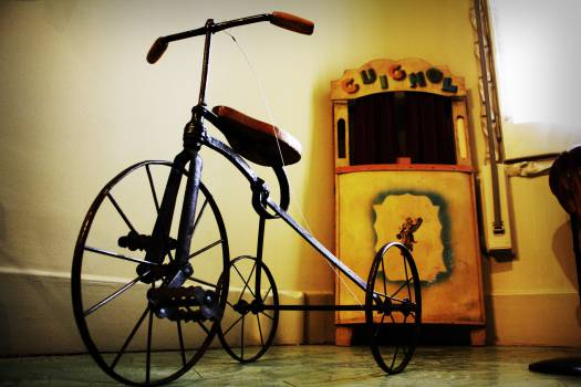antique tricycle vintage  Free Photo