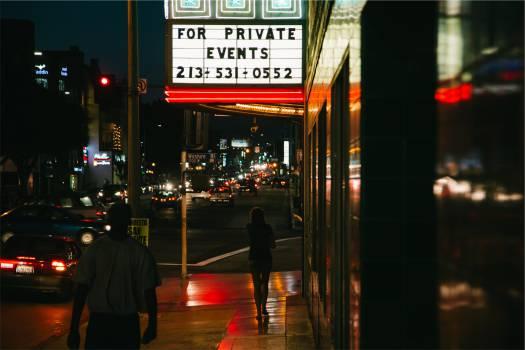 street night entertainment  Free Photo