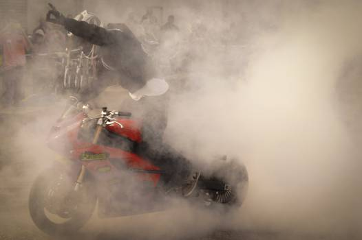 burnout smoke motorbike  Free Photo