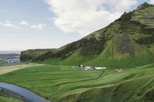 iceland green grass  Free Photo
