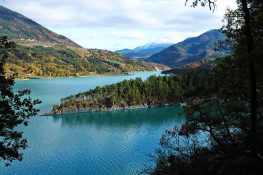 Lake Mountain Lakeside #220119