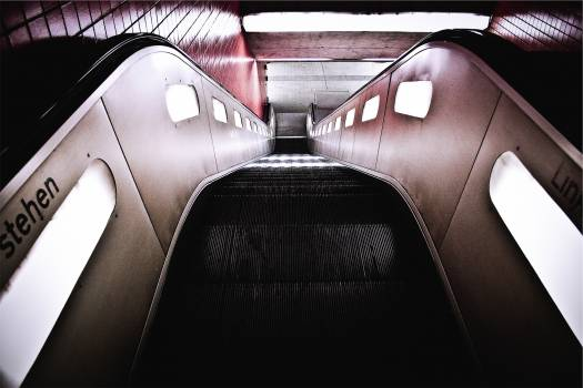 escalator subway station  Free Photo