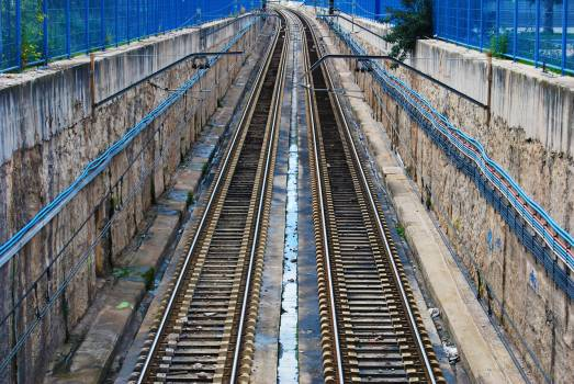train tracks railroad fence  #23384