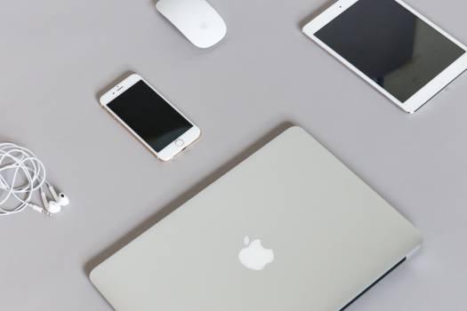 macbook laptop computer #23893