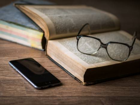 eyeglasses books reading #24017