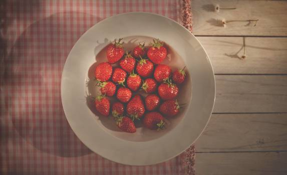 strawberries fruits plate #24110