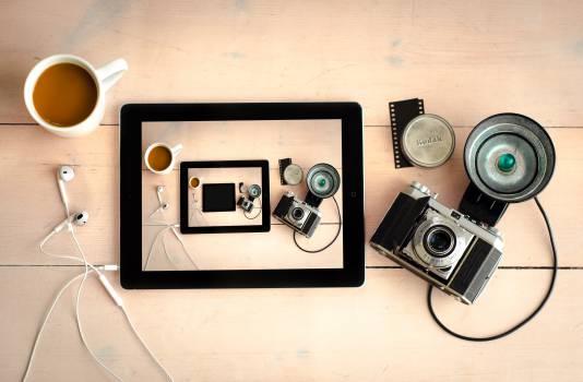camera flash lens Free Photo