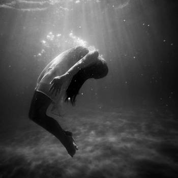 girl woman underwater #24667