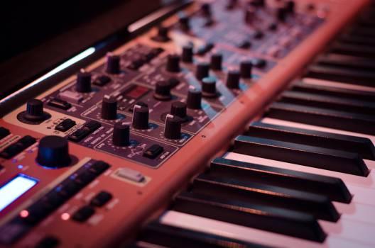 synthesizer keyboard music Free Photo