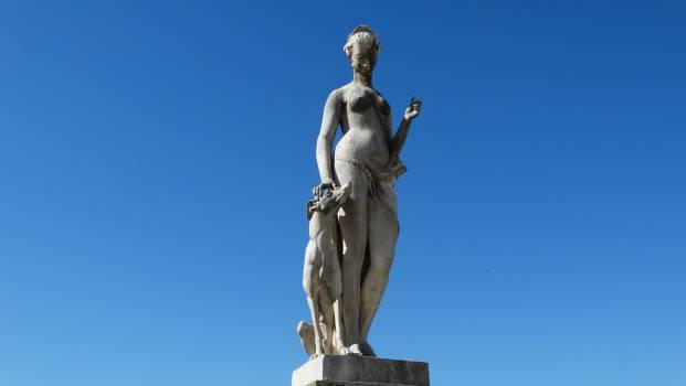 Statue Sculpture Pedestal #256581
