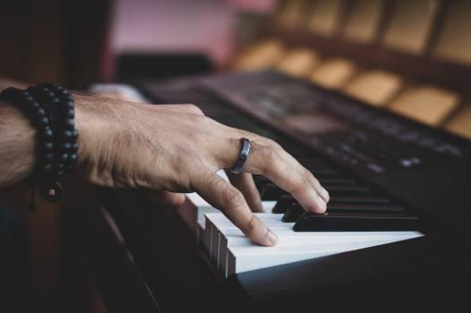 Keyboard Piano Upright #286549