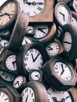 Analog clock Clock Timepiece Free Photo