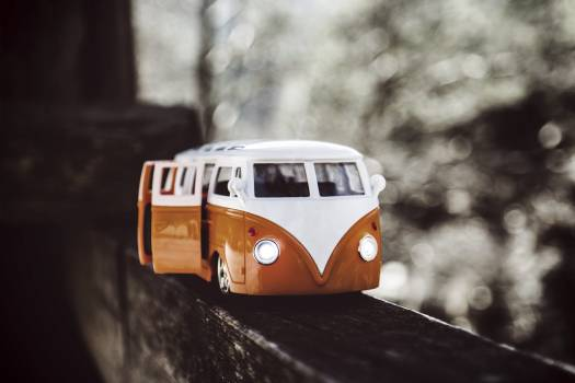 White Orange Van Scale Model #31961