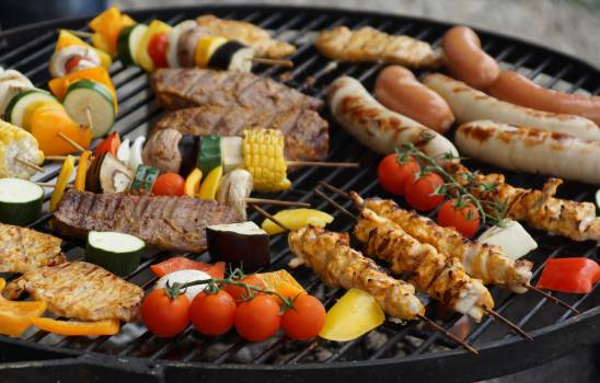 Barbecues in Charcoal Grill #329997