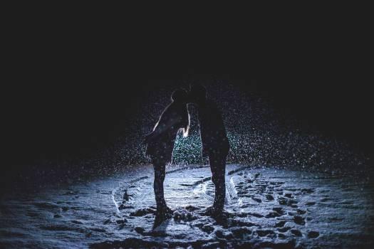 Kiss people winter silhouette #33807