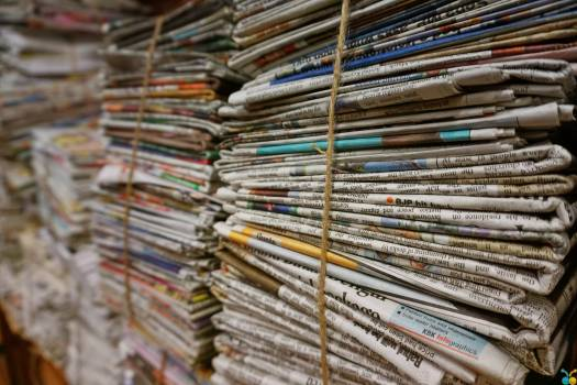 Shallow Focus Photography of Magazines #339007