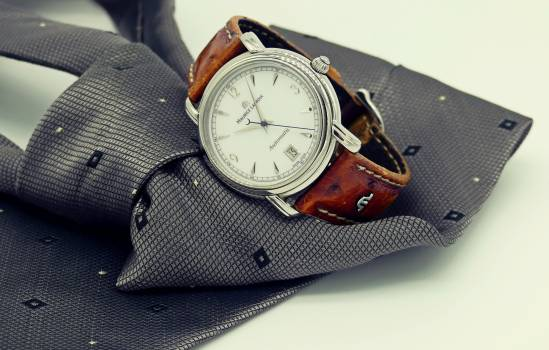Round Silver-colored Analog Watch With Brown Leather Strap #342142