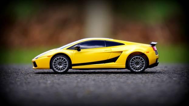 Road yellow model car #35264