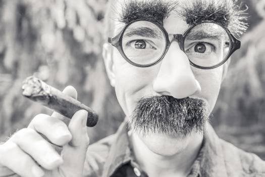 Schwarz und weiss mann person zigarre #35340