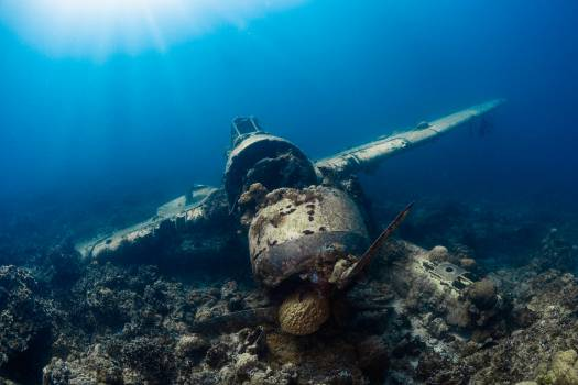 Ship Wreck Underwater #353599