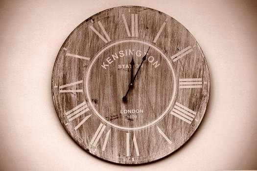 Kensington Brown Round Wall Analog Clock #36861