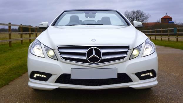 White Mercedes-benz Car #37285