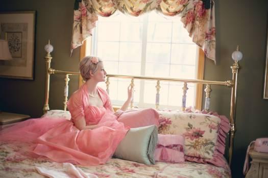 Woman bed bedroom vintage #37397