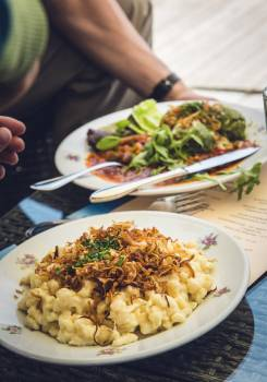 Vegetarian dishes at a restaurant #386166