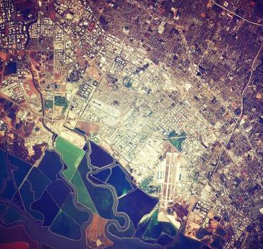 Moffett Federal Air Field, NASA Ames Research Center and Silicon Valley. Original from NASA.  #392610