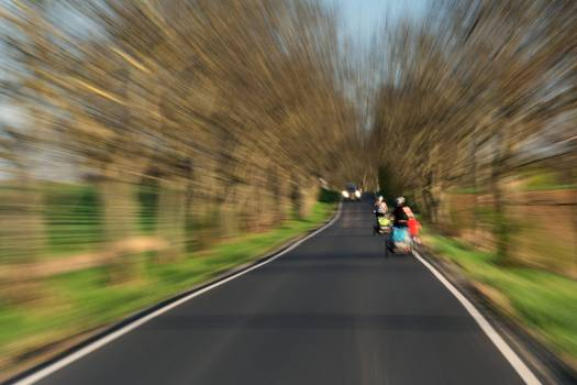 Dangerous road for cyclists - free stock photo #398794