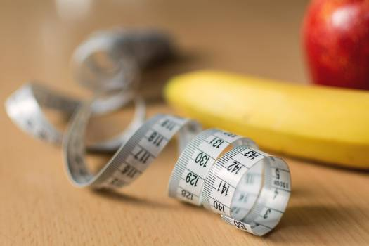 Measuring tape and fruits - free stock photo #399008