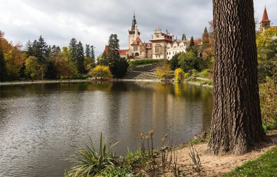 Pruhonice Castle With Pond - free stock photo #399172