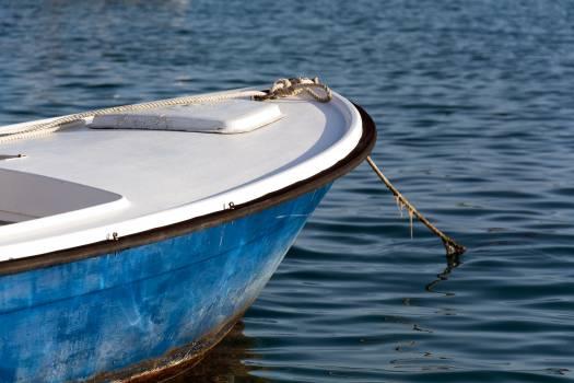 small blue sea dinghy - free stock photo #399260