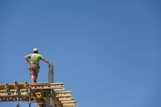 Builder on the building - free stock photo #399387