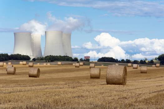 Nuclear power plant between fields - free stock photo #399391
