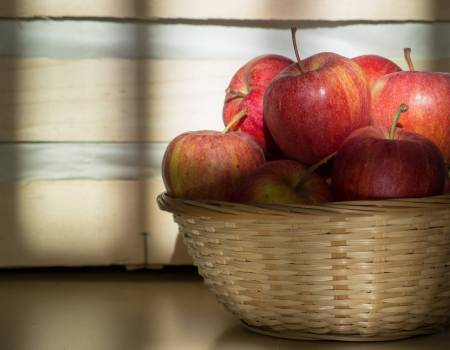 Red Apples In A Wicker Basket - free stock photo #399542