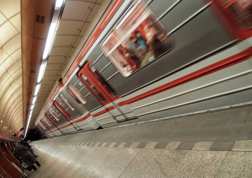Subway Train Coming Into The Station - free stock photo #399630