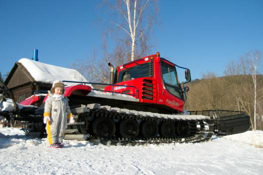 Children and Snowcat - free stock photo #399658