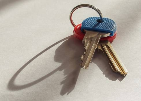 Keys On White Background - free stock photo Free Photo