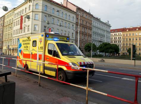 Ambulance In The City - free stock photo #399820