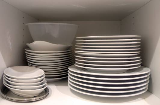 Dishes in cupboard in the kitchen - free stock photo #400027