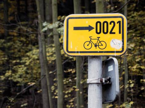 Cycle Route Directional Sign - free stock photo #400107