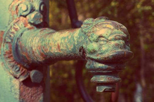 Old Well Pump - free stock photo #400274