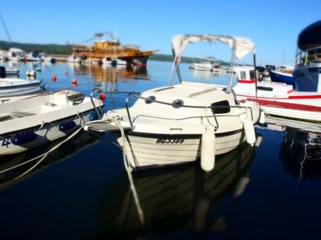 Boat in Croatia - free stock photo #400671